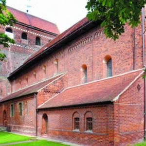 Dorfkirche St. Marien und Willebrord, Schönhausen